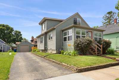 Menasha Single Family Home Active-No Offer: 867 1st