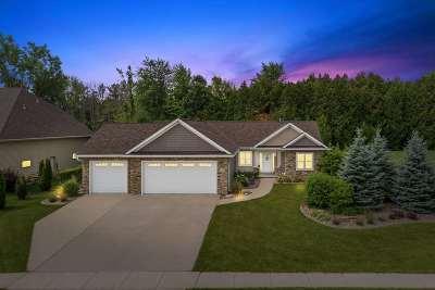 Green Bay Single Family Home Active-No Offer: 2835 Moose Creek