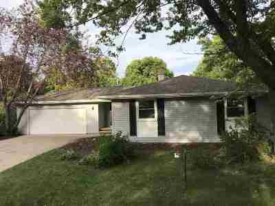 Little Chute Single Family Home Active-No Offer: 1122 Cypress