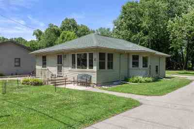 Menasha Single Family Home Active-No Offer: 1704 Brighton Beach