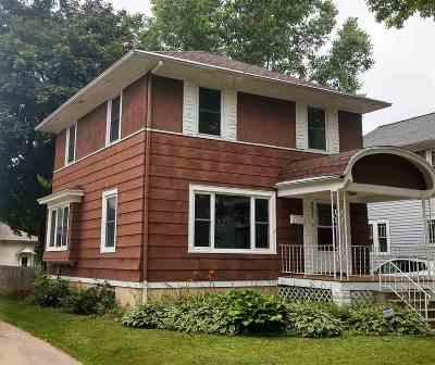 Green Bay Single Family Home Active-No Offer: 831 Howard