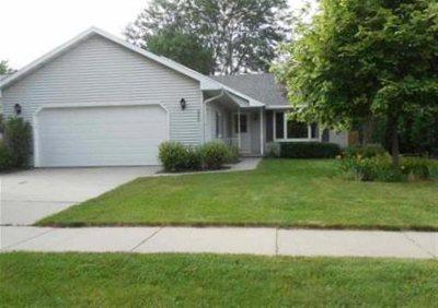 Appleton Single Family Home Active-No Offer: 2900 Schaefer