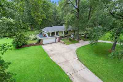 Suamico Single Family Home Active-Offer W/Bump: 4507 Renard