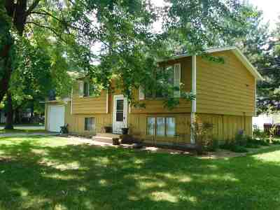Shawano Single Family Home Active-Offer No Bump: 1219 S Lincoln