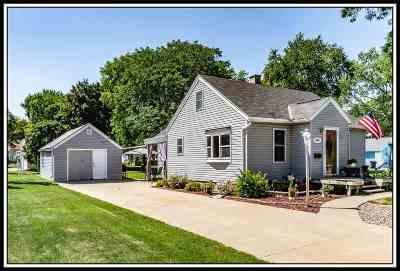 Appleton Single Family Home Active-No Offer: 1407 N Owaissa