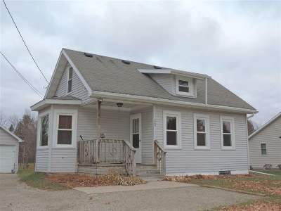 Gillett Single Family Home Active-No Offer: 329 E 1st