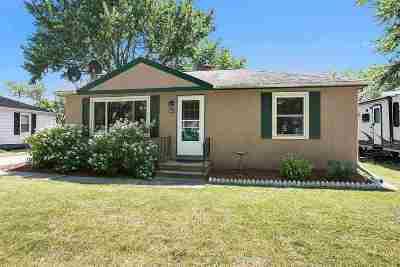 Ashwaubenon Single Family Home Active-Offer No Bump: 513 Oaklawn
