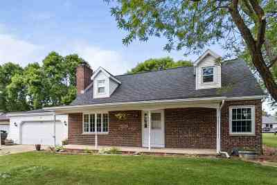 Kaukauna Single Family Home Active-No Offer: 2901 Sullivan