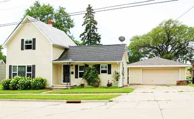 Kaukauna Single Family Home Active-Offer No Bump: 1127 Harrison