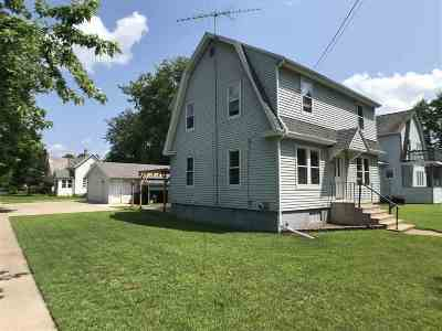 Shawano Single Family Home Active-Offer W/Bump: 419 W Division