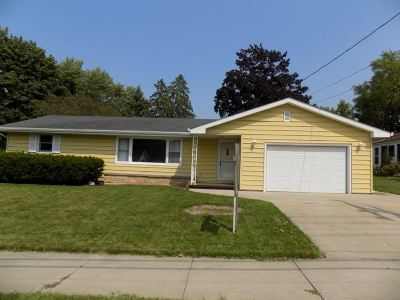 Kaukauna Single Family Home Active-Offer No Bump: 1716 Main