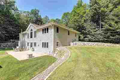 Oconto Falls Single Family Home Active-No Offer: 7944 Oak Ridge