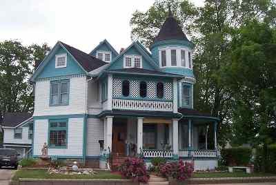 Oshkosh Single Family Home Active-No Offer: 926 N Main
