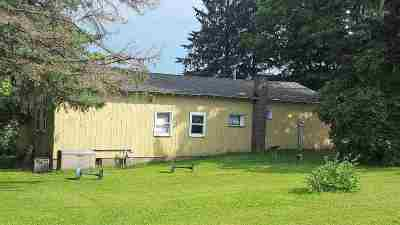 Oconto County Single Family Home Active-Offer No Bump: 15250 Pleasant Hill