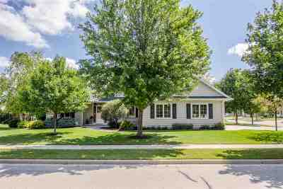 Combined Locks Single Family Home Active-Offer W/Bump-Show: 649 Miranda