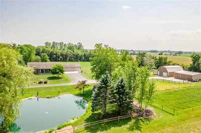 De Pere Single Family Home Active-Offer No Bump: 2900 Country View