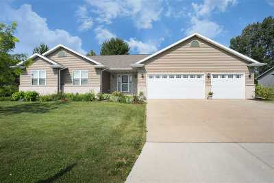 Menasha Single Family Home Active-Offer No Bump: 1124 Birling