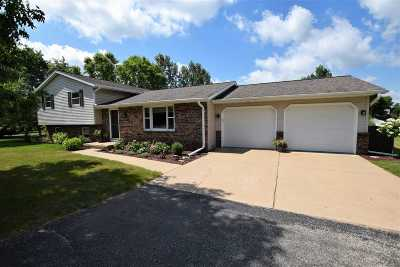 Howard, Suamico Single Family Home Active-Offer No Bump: 2515 Country Meadow
