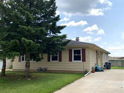Neenah Multi Family Home Active-Offer No Bump: 1097 Laurel