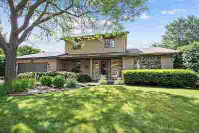 Menasha Single Family Home Active-Offer No Bump: 1777 Oakridge