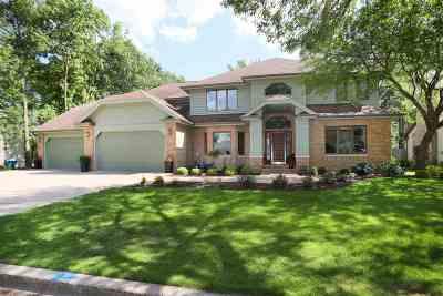 Appleton Single Family Home Active-Offer No Bump: 701 E Woodcrest