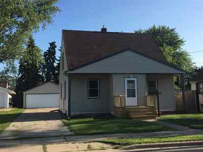 Menasha Single Family Home Active-Offer No Bump: 348 8th