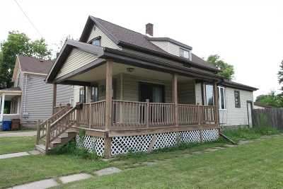 Menasha Single Family Home Active-Offer No Bump: 624 3rd