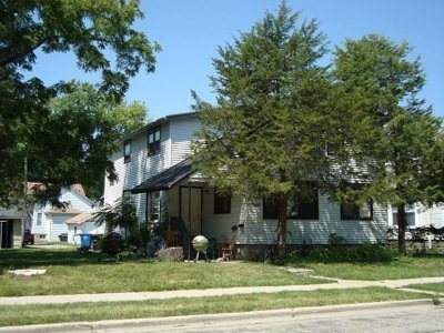 Oshkosh Multi Family Home Active-No Offer: 919 Wright