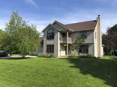 Neenah Single Family Home Active-Offer No Bump: 1020 Highland Park