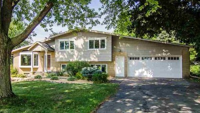 Little Chute Single Family Home Active-No Offer: 1301 Freedom