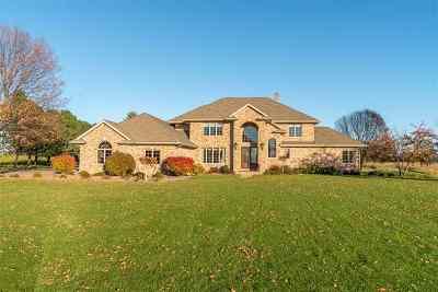 Kaukauna Single Family Home Active-No Offer: 8067 Hwy D
