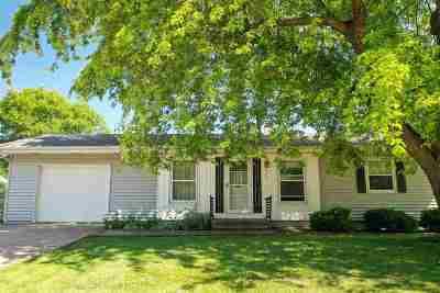 Menasha Single Family Home Active-Offer No Bump: 973 London