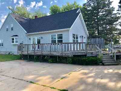 Oconto County Single Family Home Active-Offer No Bump: 9008 Hwy M