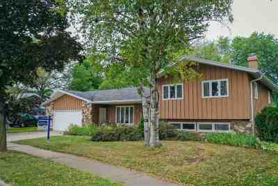 Appleton Single Family Home Active-Offer No Bump: 910 E Park Ridge