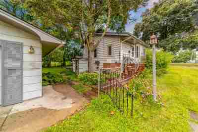 Waupaca Single Family Home Active-Offer No Bump: 501 Hillcrest