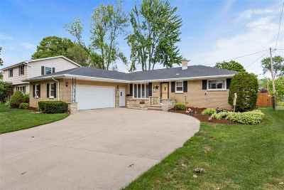 Appleton Single Family Home Active-No Offer: 2516 Hillwood