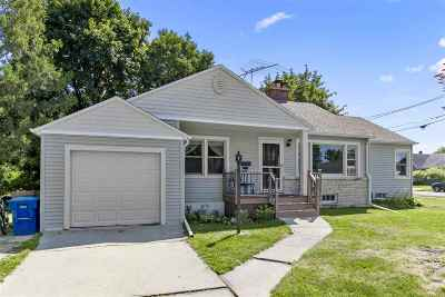 Menasha Single Family Home Active-No Offer: 847 Emily