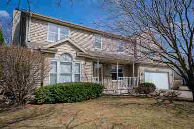 Oshkosh Single Family Home Active-No Offer: 1586 Brentwood