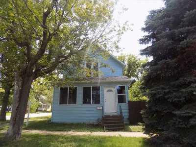 Kaukauna Single Family Home Active-No Offer: 227 E 8th