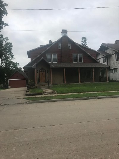 Oshkosh Single Family Home Active-No Offer: 426 Amherst