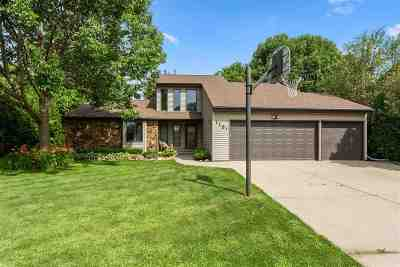 Neenah Single Family Home Active-No Offer: 1151 Park Village