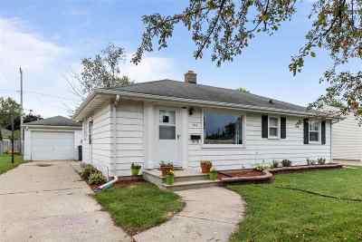 Neenah Single Family Home Active-Offer No Bump: 925 Betty