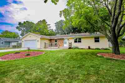 Neenah Single Family Home Active-Offer No Bump: 1395 Silverwood