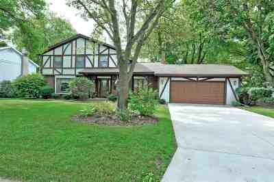 Neenah Single Family Home Active-No Offer: 533 Riford