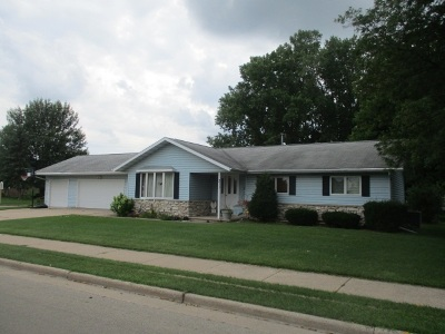 Black Creek Single Family Home Active-No Offer: 311 S Maple