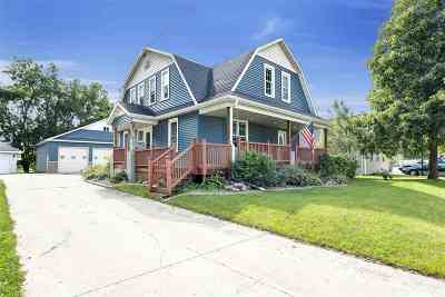Black Creek Single Family Home Active-No Offer: 300 N Maple