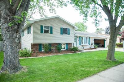 Little Chute Single Family Home Active-No Offer: 1701 Franklin