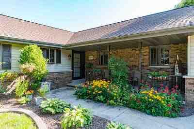 Appleton Single Family Home Active-No Offer: N396 Tamarack