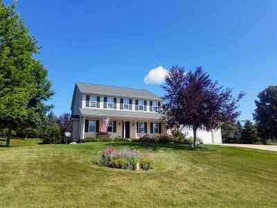 Shiocton Single Family Home Active-No Offer: W7218 Center Valley