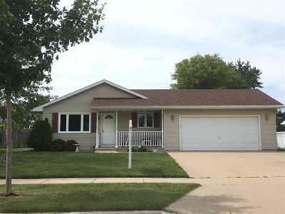 Oshkosh Single Family Home Active-Offer No Bump: 1335 Timothy